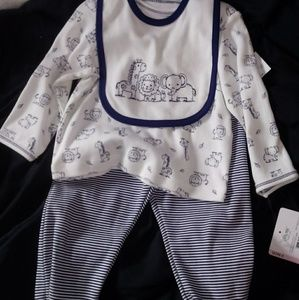 Baby neutral outfit brand new